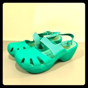 🍄Dr. Scholl's teal bouncing clog sandals